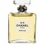 Sniffing out the fakes: Perfume world battles smell-alikes