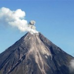 More evacuated amid Philippine volcano fears