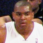 Contrite Bynum still banned for Barea blow