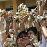 Pinoys gather coins to set world record