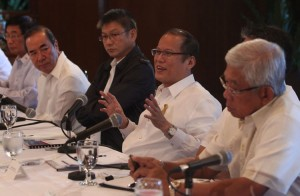 President Benigno S. Aquino III presides over the meeting on the update on effects of Typhoon Pablo at the President's Hall of the Malacañan Palace on Wednesday (December 12). In photo are Transportation and Communications Secretary Joseph Emilio Aguinaldo Abaya, Health Secretary Enrique Ona, Public Works and Highways Secretary Rogelio Singson, Executive Secretary Paquito Ochoa, Jr., Interior and Local Government Secretary Manuel Roxas II, Defense Secretary Voltaire Gazmin, Social Welfare and Development Secretary Corazon Juliano-Soliman, Secretary to the Cabinet Jose Rene Almendras, Presidential Management Staff (PMS) head Julia Andrea Abad, Presidential Communications Development and Strategic Planning Office (PCDSPO) Secretary Ramon Carandang and Presidential Communications Operations Office (PCOO) Secretary Herminio Coloma, Jr. (MNS photo)