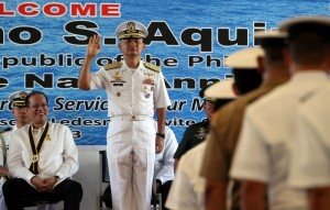 President Benigno S. Aquino III observes as Philippine Navy Flag Officer in Command Vice Admiral Jose Luis Alano leads the Philippine Navy Pledge during the 115th Anniversary of the Philippine Navy at the Commodore Posadas Wharf, Headquarters, Naval Sea Systems Command in Naval Station Pascual Ledesma, Fort San Felipe, Cavite City on Tuesday (May 21). At present, the Philippine Navy is a force of 26,000 personnel composed of sailors, marines and civilian employees. (MNS photo)