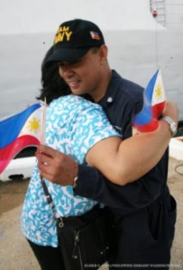 Farewell. Members of the Filipino Community in Charleston, South Carolina, say goodbye to the officers and crew of the BRP Ramon Alcaraz before the ship sailed for the Philippines on Monday. (Philippine Embassy Photo by Elmer G. Cato)