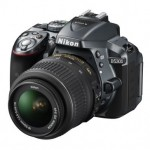 Nikon D5300 comes with built-in GPS and wi-fi