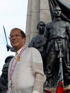 """President Benigno S. Aquino III leads the nation in commemorating the 150th Birth Anniversary of Gat Andres Bonifacio at the Bonifacio National Monument in Caloocan City on Saturday (November 30, 2013) with the theme: """"Bonifacio: Dangal at Kabayanihan."""" Also in photo is National Historical Commission of the Philippines chairperson Dr. Maria Serena Diokno. (MNS photo)"""