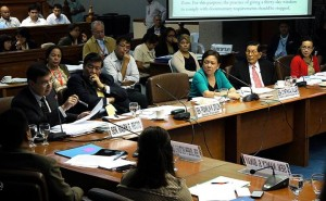 AGRICULTURE COMMITTEE HEARING. Senator Cynthia Villar, Chair of the Senate Committee on Agriculture, listens to Sen. Ralph Recto as he questions representatives of the Department of Agriculture about the claims made by certain groups and agencies concerning the actual state of rice supply in the country. Senate President Franklin M. Drilon, Senate Minority Leader Juan Ponce Enrile and Senators Grace Poe, Nancy Binay and JV Ejercito also attended the hearing.(MNS photo)
