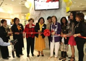 Photo above shows (L-R) ) Consul General Ma. Hellen Barber De La Vega with Teresa Leelin cutting the ceremonial ribbon officially opening theLeelin Bakery & Café .