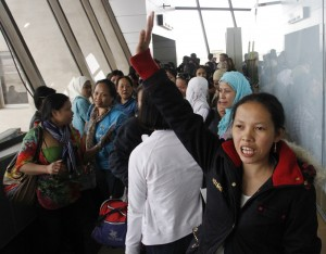 Ms. Hasmin Mama, one of the 37 overseas Filipino workers (OFWs) repatriated from Syria, expresses gratitude to the Philippine government and Embassy personnel who helped them come home. These 37 female OFWs arrived Friday (March 7) afternoon via EK 332 of Emirates Airlines at the Gate 3 of Ninoy Aquino International Airport (NAIA) Terminal 1.(MNS photo)