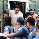 JV Ejercito visits Enrile, skips dropping by Jinggoy's detention room