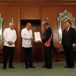 Aquino confers Order of Sikatuna on outgoing Japanese Ambassador