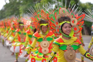 Street-dancers welcome Munato Festival guests, Alabel, Sarangani (November 30, 2014) - Glan National School of Arts and Trades dancers showcase their street dancing prowess at the opening parade of MunaTo Festival. (Martin Fernando E. Bernad Jr./Sarangani Tourism & Investment Promotion Center)