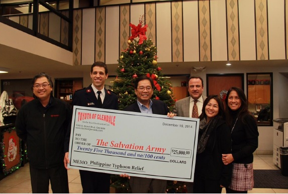 Toyota Of Glendale >> Toyota Of Glendale Makes 25 000 Donation For Philippine Typhoon
