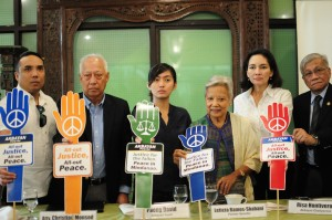 PEACE ADVOCATES UNITE FOR TRUTH AND JUSTICE. Peace and social justice advocates led by former Senator Leticia Ramos-Shahani, Atty. Christian Monsod and Akbayan Chairperson Risa Hontiveros reiterated their call to render justice to all those who perished in the Mamasapano incident and for lasting peace in Mindanao.