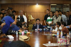 """Makati City Mayor Jejomar Erwin """"Junjun"""" Binay Jr. talks to the media on Friday inside the Makati City Hall Building. Binay said he will stay in the building despite a suspension order from the Ombudsman for his alleged involvement in the overpricing of the Makati City Hall Building II.(MNS photo)"""