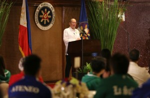 President Benigno S. Aquino III delivers his message during the special luncheon with the volleyball teams of Ateneo de Manila University the De La Salle University at the Heroes Hall of the Malacañan Palace on Tuesday (March 24). (MNS photo)