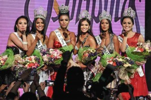 The 2015 Binibining Pilipinas titlists pose after being crowned on Sunday at the Araneta Coliseum. The winners from left, are: 1st runner-up Hannah Ruth Lulu Sison, Miss Tourism Ann Lorraine Colis, Miss Intercontinental Christi Lynn McGarry, Miss Universe Pia Wurtzbach, Miss International Janicel Lubina and Miss Supranational Rogelie Catacutan. (MNS photo)
