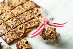Peanut Butter Saltine Brittle