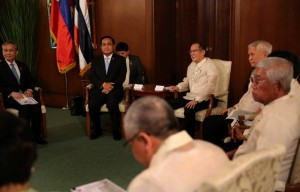 President Benigno S. Aquino III exchanges pleasantries with General Prayut Chan-o-cha, Prime Minister of the Kingdom of Thailand, during the courtesy call at the Music Room of the Malacañan Palace on Friday (August 28). This is the Thai Prime Minister's first visit to the Philippines since assuming office in August 2014. (MNS photo)