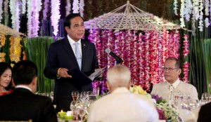 President Benigno S. Aquino III listens as General Prayut Chan-o-cha, Prime Minister of the Kingdom of Thailand, delivers his message during the state luncheon at the Rizal Hall of the Malacañan Palace on Friday (August 28). This is the Thai Prime Minister's first official visit to the Philippines since assuming office in August 2014. (MNS photo)