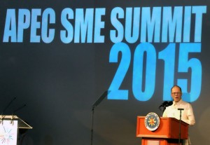 President Benigno S. Aquino III delivers his speech during the Asia-Pacific Economic Cooperation (APEC) Small and Medium Enterprises (SME) Summit 2015 at The Green Sun – Arts/Creative Hub in Chino Roces Avenue Extension corner Lumbang Street, Makati City on Tuesday (November 17). The APEC SME Summit 2015 will bring together the region's micro, small and medium-sized business entrepreneurs to share success stories of SME innovation and internationalization, as well as to highlight institutional support mechanisms proven to drive innovation-based SME growth. (MNS photo)