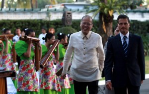 President Benigno S. Aquino III and His Excellency Enrique Peña Nieto, President of the United Mexican States, enjoy the cultural presentation during the welcome ceremony for the State Visit to the Philippines of Mexican head of state on Tuesday (November 17) at the sidelines of the APEC Economic Leaders' Meeting in Manila. (MNS photo)