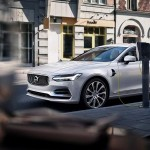 Volvo calls for standardized electric car chargers