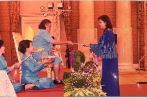 "Vice President Leni Robredo receives the ""Honorary Outstanding Woman in 2016"" Award from Her Royal Highness Princess Maha Chakri Srinidon representing her mother, Queen Sirikit at the Royal Jubilee Ballroom, Challenger, Imact Muang Thong Thani Exhibition Center, Pakkred, Nonthaburi Province, Thailand Monday afternoon. (MNS photo)"