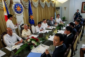President Rodrigo R. Duterte presides over the meeting with Japanese foreign affairs officials at the Presidential Guest House in Panacan, Davao City on August 11, which is also attended by some Cabinet members, namely (from left to right), National Defense Secretary Delfin Lorenzana, Foreign Affairs Secretary Perfecto Yasay Jr., Finance Secretary Carlos Dominguez III, Department of Trade and Industry Secretary Ramon Lopez, and Presidential Communications Secretary Martin Andanar. (MNS photo)