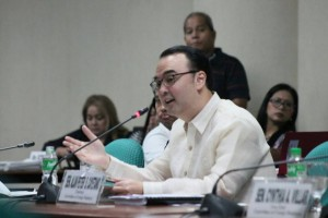 Senate Foreign Relations Committee Chair Sen. Alan Peter Cayetano leads the first public hearing on proposals to extend the validity of Philippine passports from five to ten years. The senator is pushing for the establishment of a hassle-free application process to prevent delays and ease the burden of Filipino passport applicants..(MNS photo)